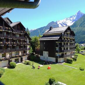 המלון עם הנוף הכי יפה בשאמוני, צרפת - Les Balcones Du Savoy