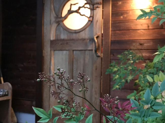 Roundhouse door IMG_4932.jpg
