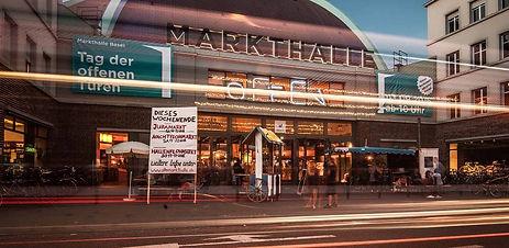 Markthalle-Basel-Nacht-von-aussen.jpg
