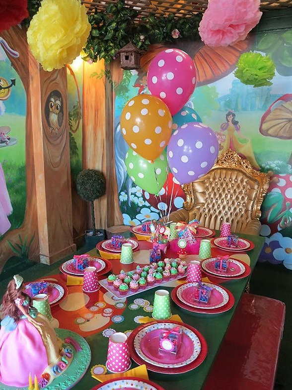 party room 1.jpg