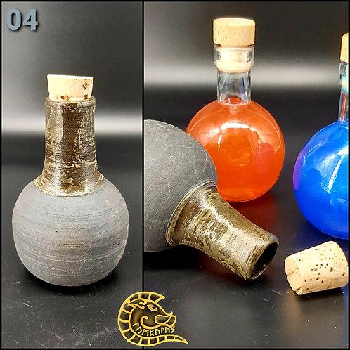 Steinzeugflasche schwarz mit Halter