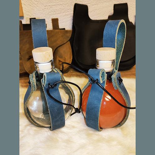 Flasche mit Halter blau