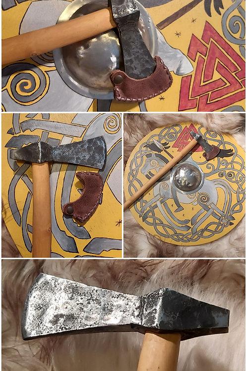 frühmittelalterliche Hammerkopfaxt