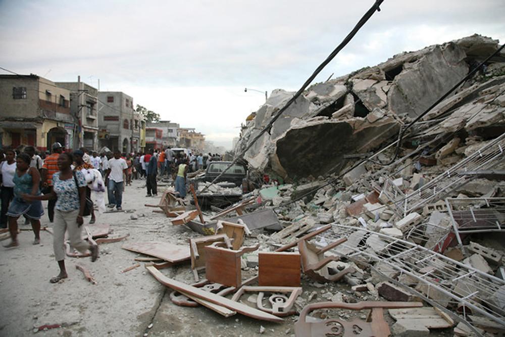 海地地震後的斷垣殘壁。(AFP)