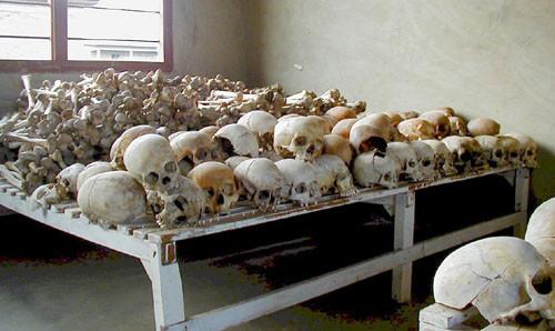 穆拉比技術學校中保存的遇難者頭骨