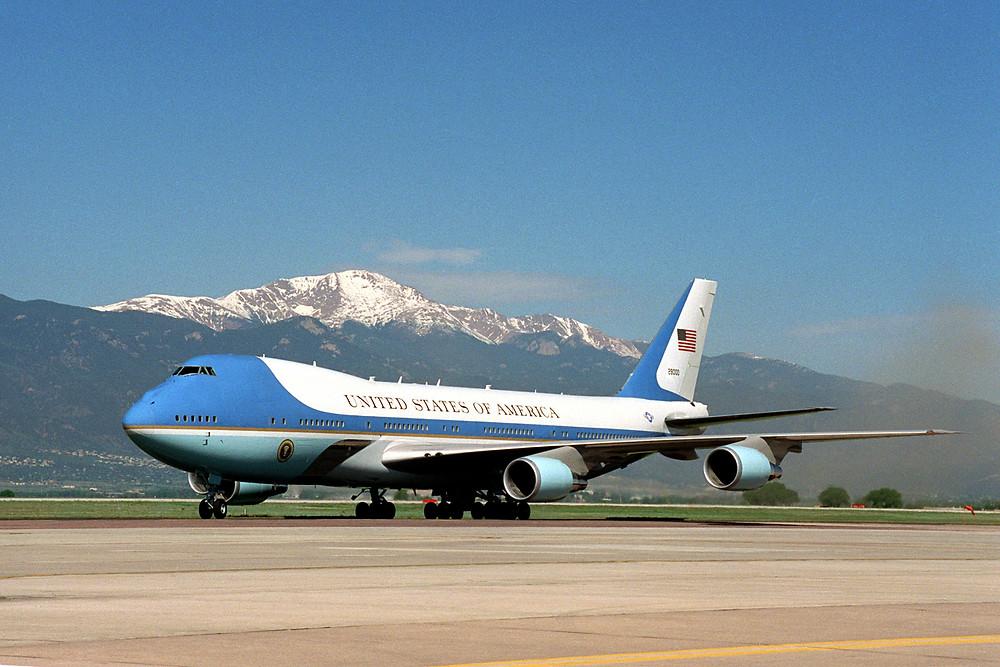 機尾號碼29000的VC-25A,改裝自747-200B,自1990年起便成為美國總統的專機