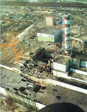 爆炸的四號反應爐