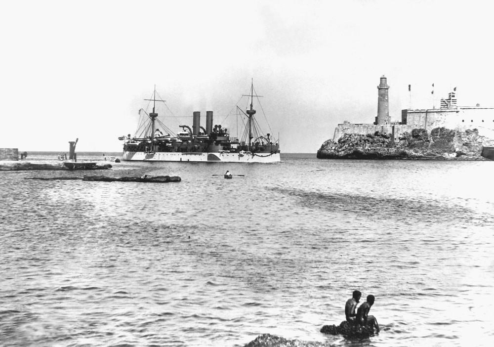 1898年1月25日緬因號駛入哈瓦那港的照片