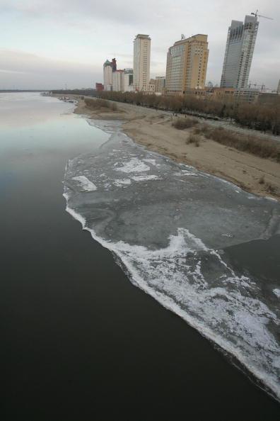 長達80公里的污染帶抵達松花江流段(AFP/Getty Images)