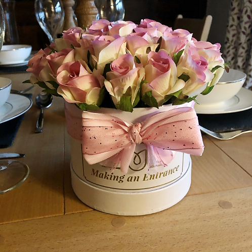 'Forever Love' Midi Bloom Box Bouquet of Roses