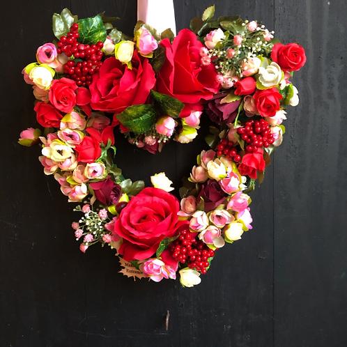 'True Love' Midi Heart Wreath