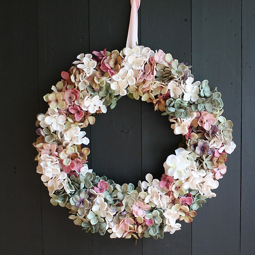 'A Country Retreat' Large Hydrangea Wreath
