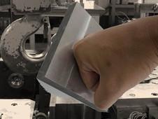金属材料の硬さについて