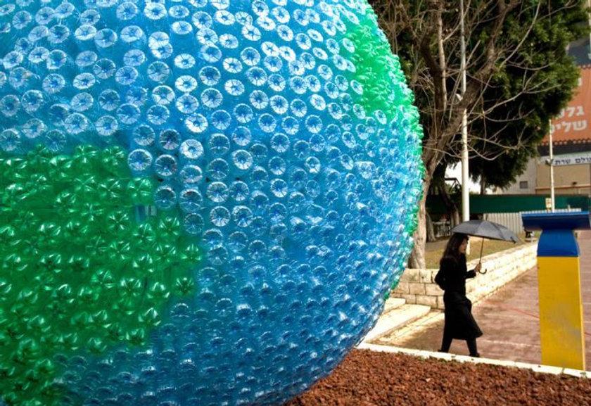 bottle globe.jpg