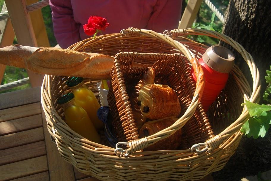 Cabanes-du-varon-panier-du-petit-déjeuner