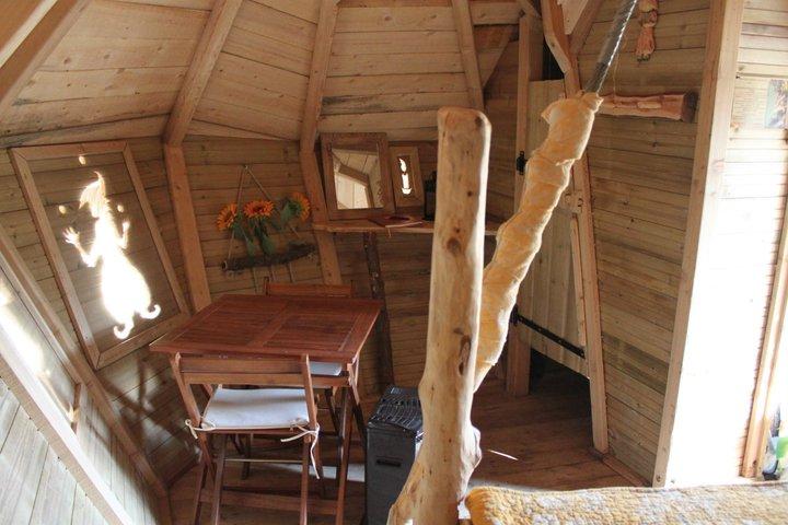 Cabanes-du-varon-intérieur-de-Pitchoun
