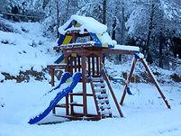 aire de jeux sous la neige