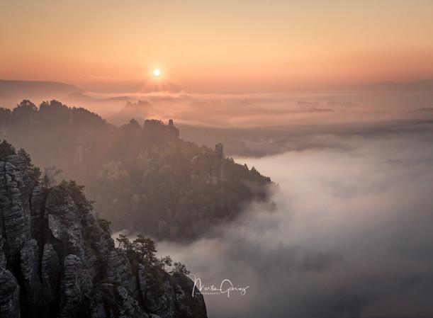 Elbsandstein im Nebel
