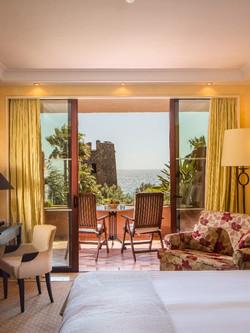premier-room.jpg;width=1920;height=1080;