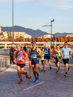 corredores-maraton-malaga.jpg