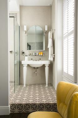 Luxaflex-Faux-Wood-Shutter_bathroom_yell