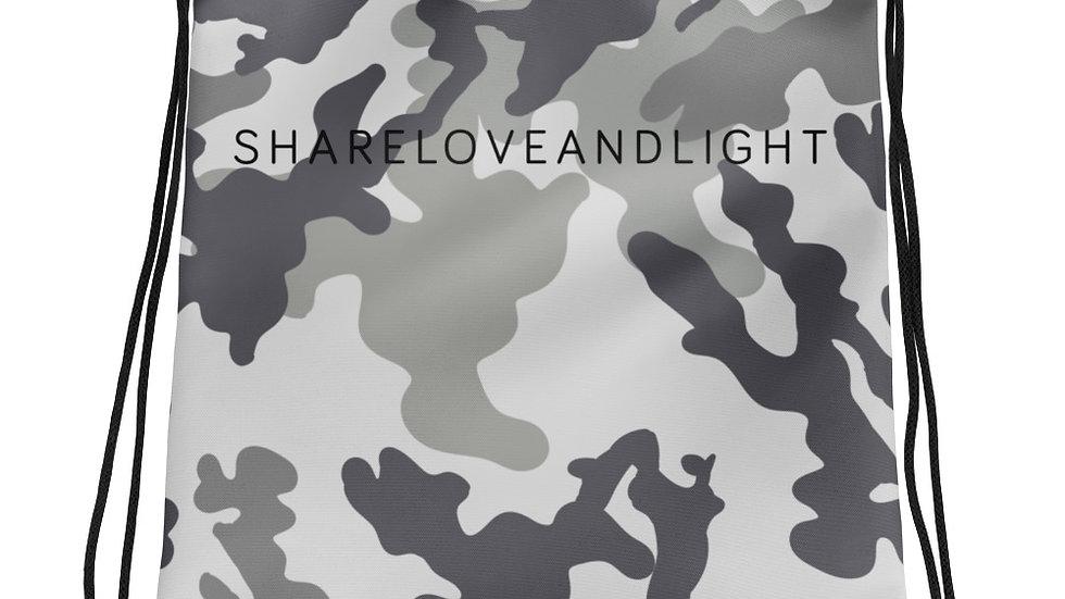 SHARELOVEANDLIGHT Grey Camo Drawstring bag