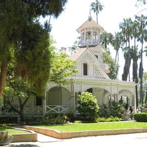 Queen Anne Cottage: Los Angeles County Arboretum and Botanic Garden