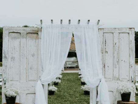 Headed to the Farm! Tips to Throw a Farm Wedding!