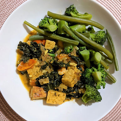 Spicy tempeh curry