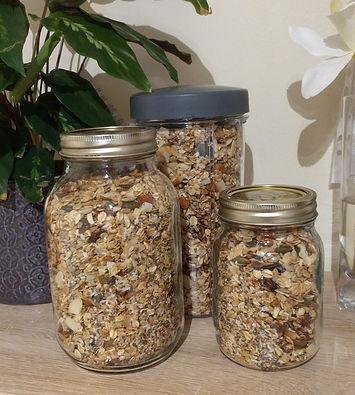 Crunchy nut & seed granola