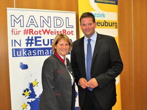 Lukas Mandl on Tour