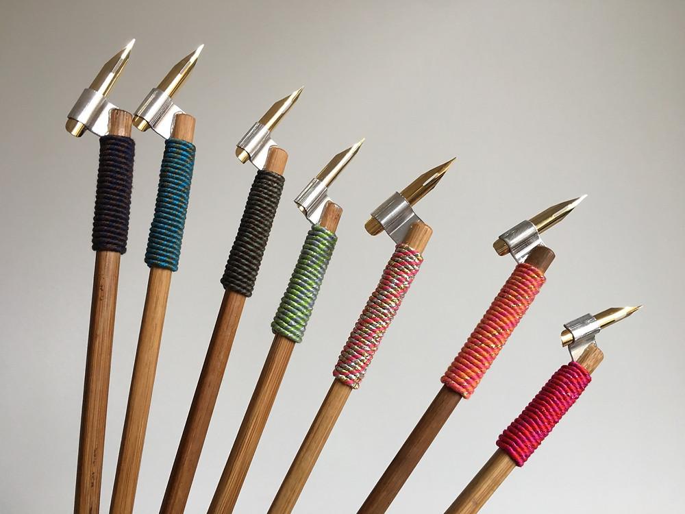 Poševno držalo za copperplate s konico lahko izberete v različnih barvah