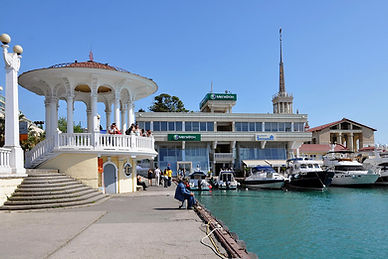 Морской порт и набережная Сочи -визитная карточка города , одно из самых интересных мест г