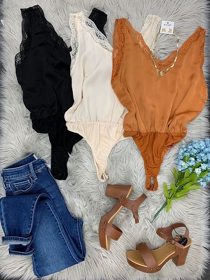 Bella lace bodysuit