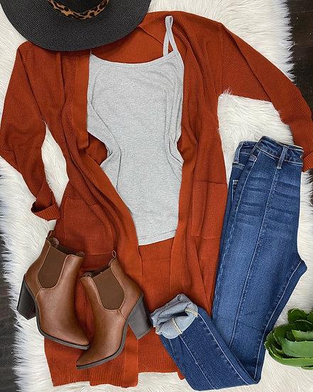 Monica Rust cardigan w pockets