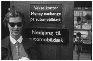 Mary Zimbalist : Photographs : Mary at the money exchange