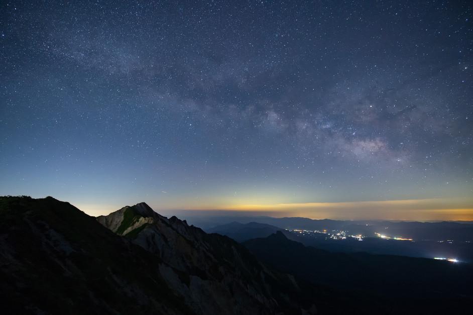 「大山山頂から眺める天の川」星取県フォトコンテスト優秀作品