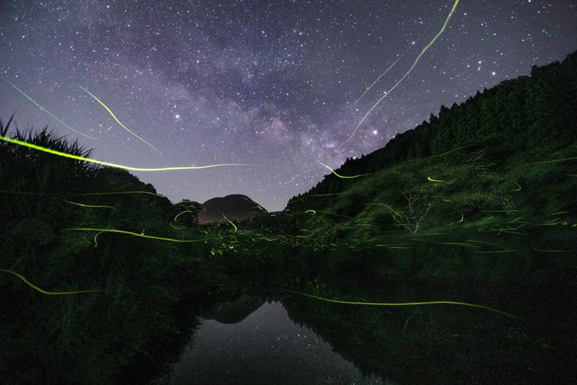 「天の川とホタル」星取県フォトコンテスト優秀作品