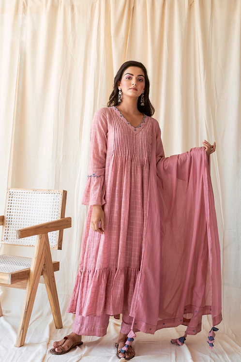 Blushed in pink kurta set
