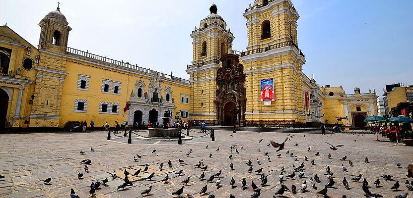 1599px-Basílica_y_Convento_de_San_Franc