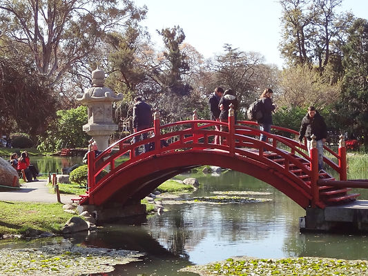 red-bridge-949195_1920.jpg