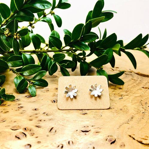 'Daisy' - Silver stud earrings