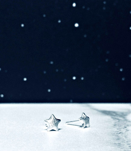 'Twinkle twinkle' - small star studs