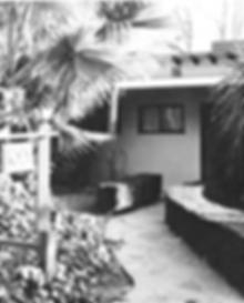 birdhousefrontdoor.png