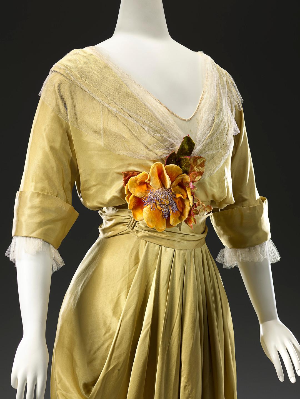 Ch. Drecoll, Paris(couture house)Maguerite de Wagner(director)Ernest de Wagner(director)Dinner dressc. 1914 (detail)silk (satin, net, chiffon, velvet)