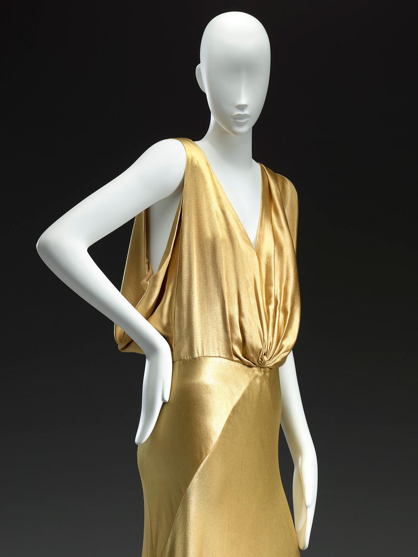 Maggy Rouff, Paris(couture house)Maggy Besançon de Wagner(designer)Evening dressc. 1935 (detail)silk (crepe satin)