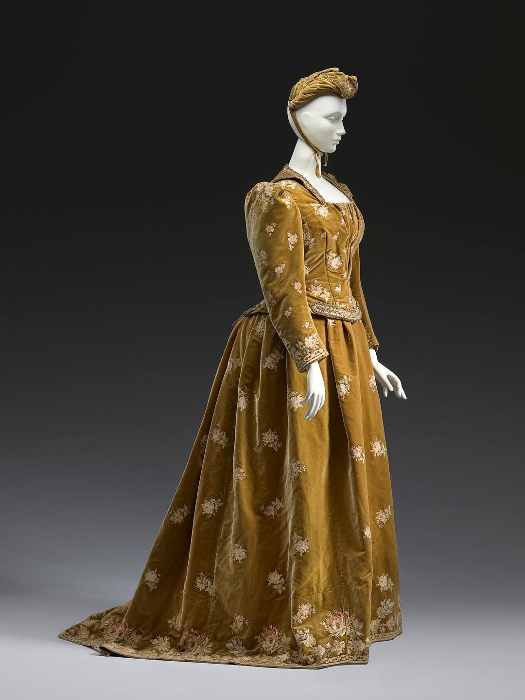 Felix, Paris(couture house)Auguste Poussineau(designer)Emile Poussinea(designer)Dinner dress1888−89silk (velvet, faille)