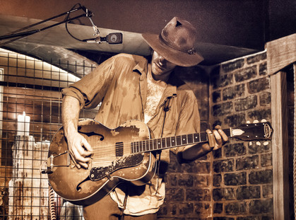 COOPERS BLUES MUSIC PLAYS TO ENTERTAIN