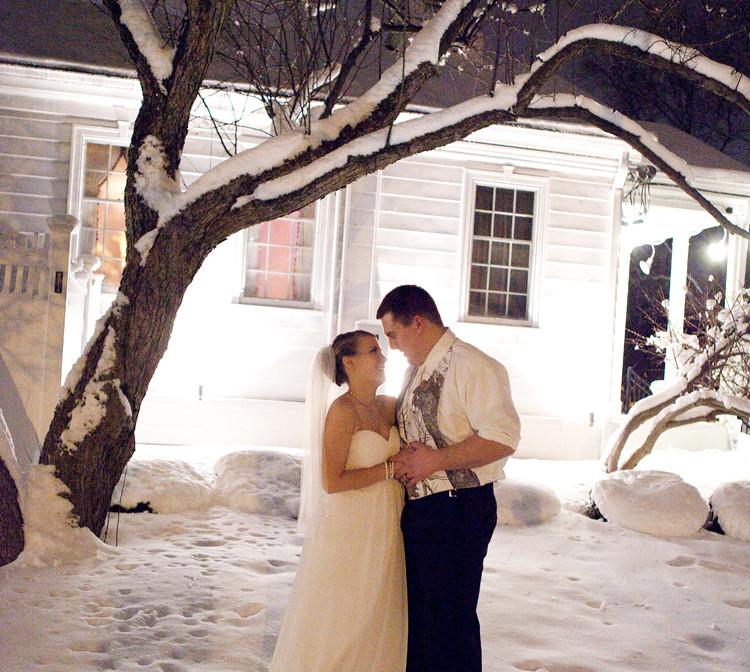 Lindsay-and-Kyle-Wisconsin-Winter-Weddin