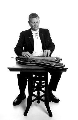 Kurt Von Eckroth playing the zither